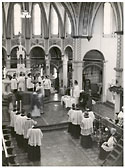 Image - Monks serving mass